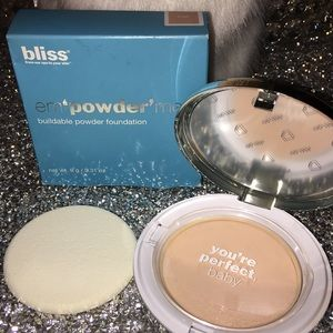 Bliss em'powder'me Buildable powder foundation